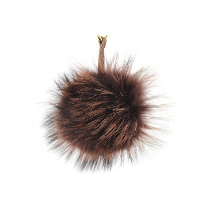 Kožešinová klíčenka/přívěšek Pom Pom tmavě hnědá