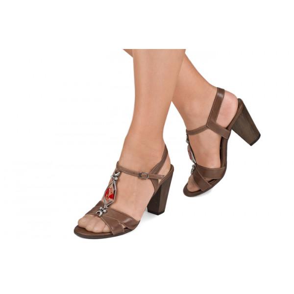 55548689fff9 Hnedé sandále zdobené kamienkom 889 ZODIACO - MONDO ITALIA s.r.o.
