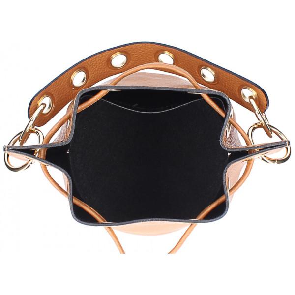 Čierna vaková kožená kabelka 363