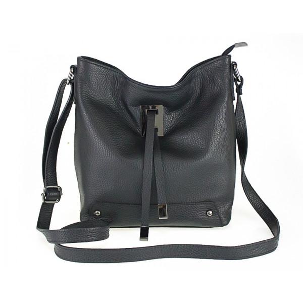 Kožená kabelka na rameno 825 čierna Čierna