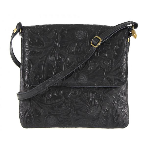Čierna kožená kabelka na rameno 656