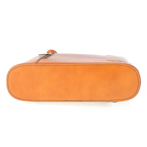 Kožená kabelka na rameno/batoh 113 tmavohnedá Made in Italy Hnedá