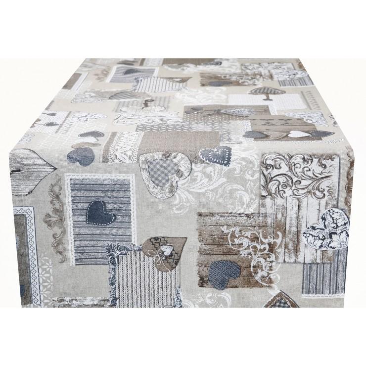 Behúň na stôl patchwork šedohnedé srdiečka Made in Italy