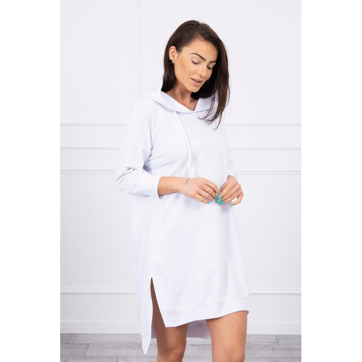 Šaty s prodlouženou zadní stranou a kapucí MI9078 bílé