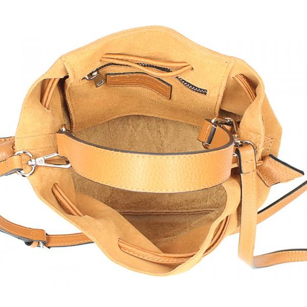 Kožená kabelka v tvare vačku 645 mentolová Made in Italy Mäta