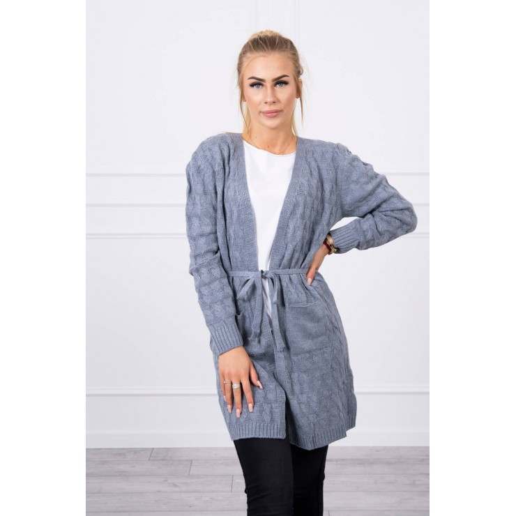 Women's sweater with a braid light jeans