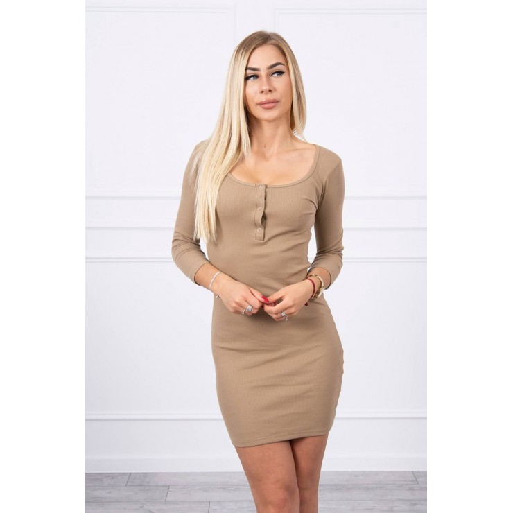 Dress with a neckline for naps camel