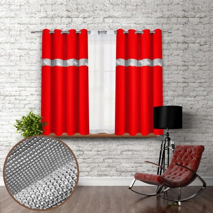 Záves na krúžkoch so zirkónmi 140x160 cm červený