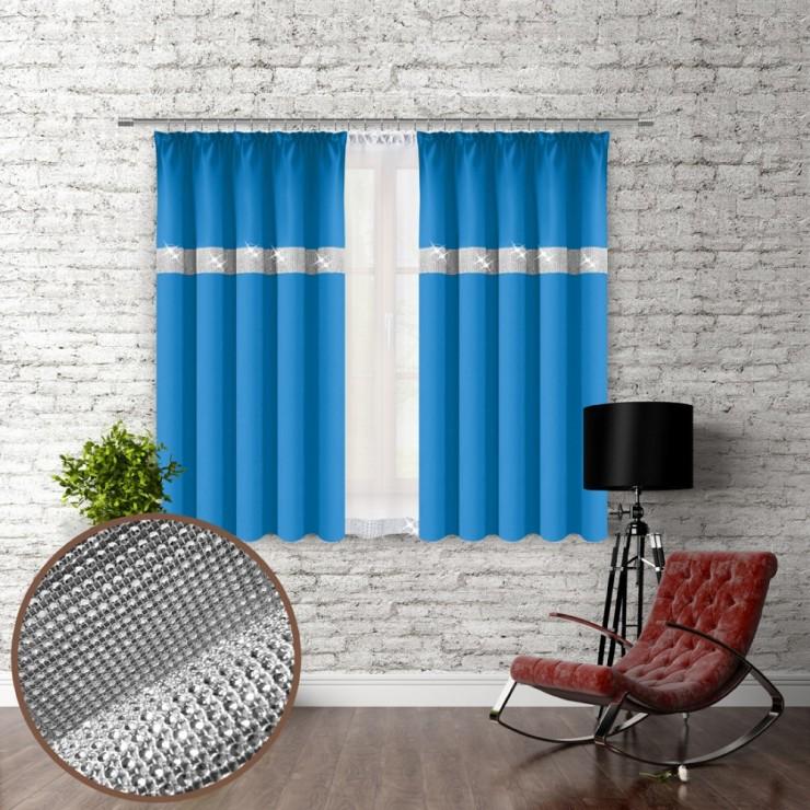 Záves na riasiacej páske so zirkónmi 140x160 cm blankytne modrý