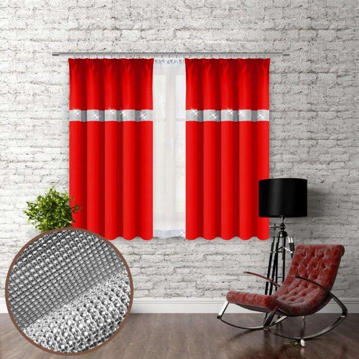 Záves na riasiacej páske so zirkónmi 140x160 cm červený