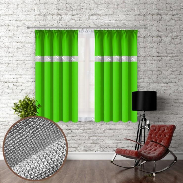 Závěs na řasící pásce se zirkóny 140x160 cm světle zelený
