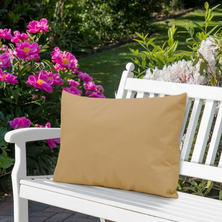 Waterproof garden cushion 50x70 cm latte